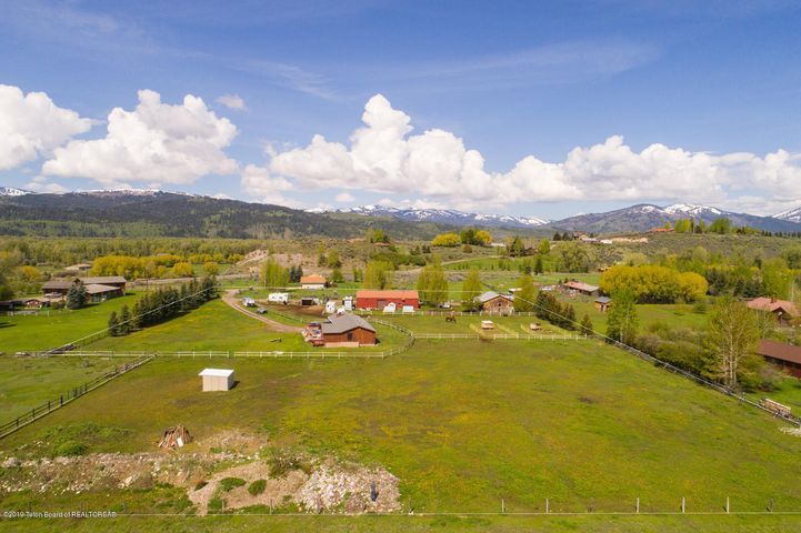 4420 SOUTH PARK LOOP ROAD, Jackson, WY 83001