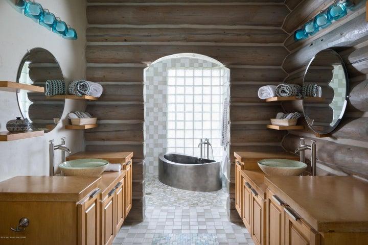 7 Master Bath