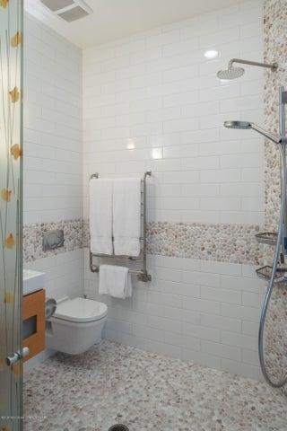 9 Bathroom 1