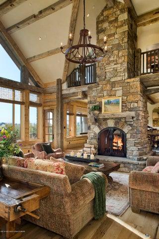 06-fireplace