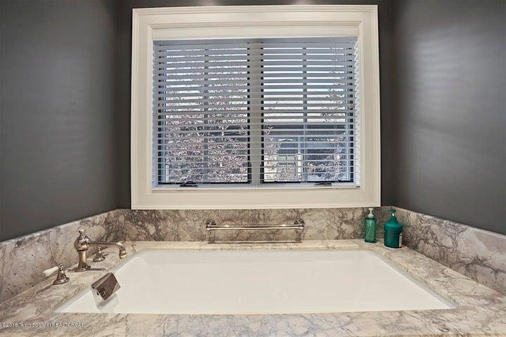 Luxury Bath & Steam Shower