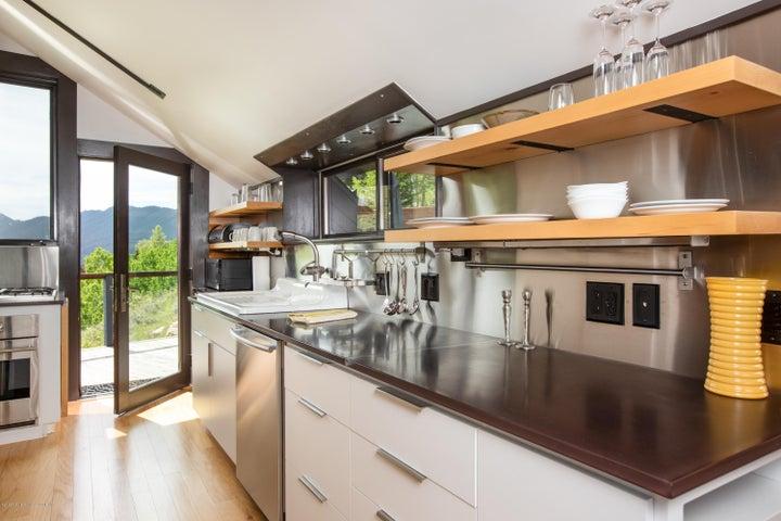 5- Kitchen