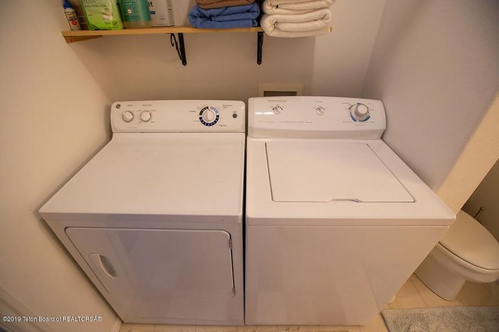 Washer/dryer on main level