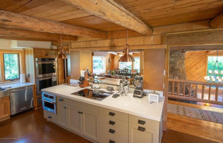 Fully Remodeled Kitchen