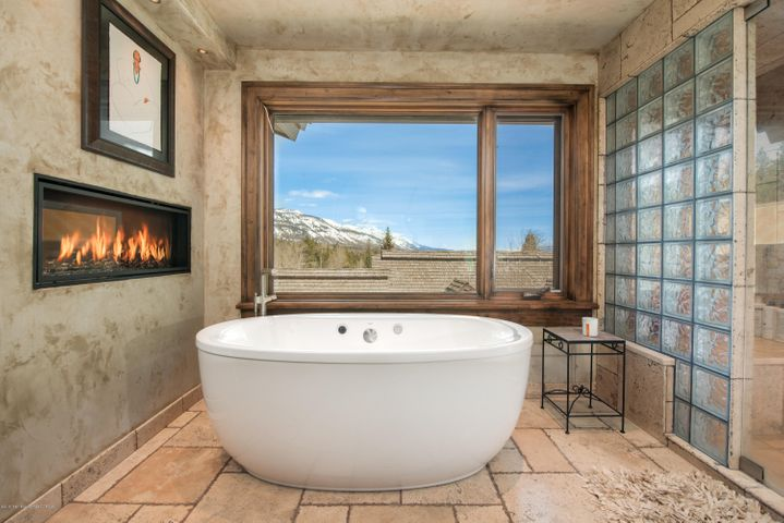 Master Bath With Gas Fireplace