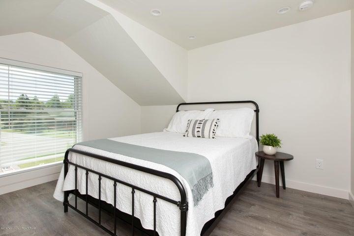 17. MIL Suite Bedroom