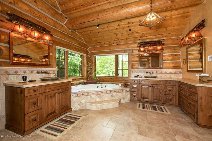 Master Bath Tub + Dual Vanities