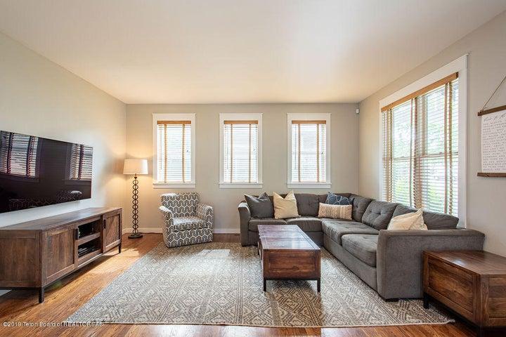 Spacious Family Room