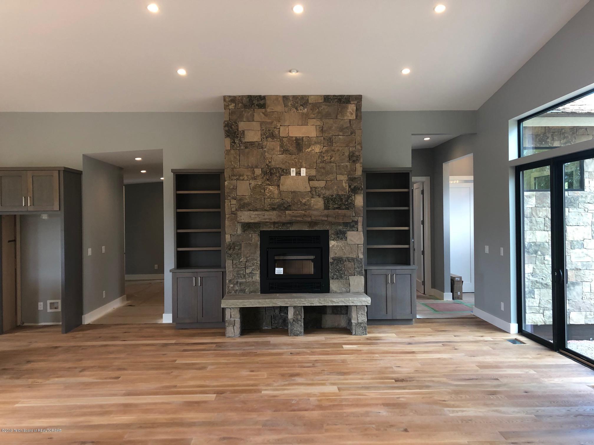 haley-Aspen fireplace
