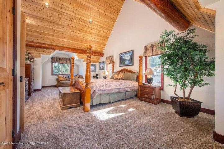 13 Guest Bedroom 1