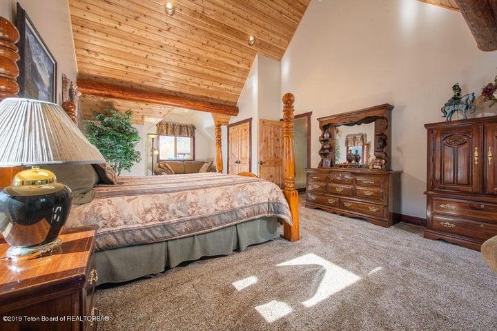 14 Guest Bedroom 1