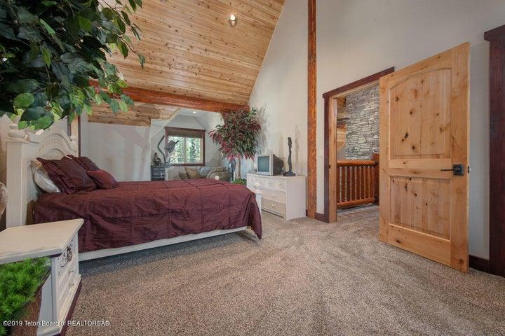 15 Guest Bedroom 2