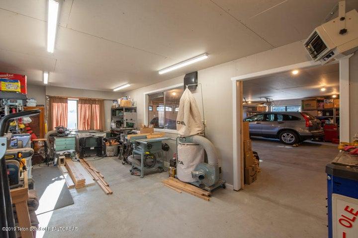 18 Shop + Garage