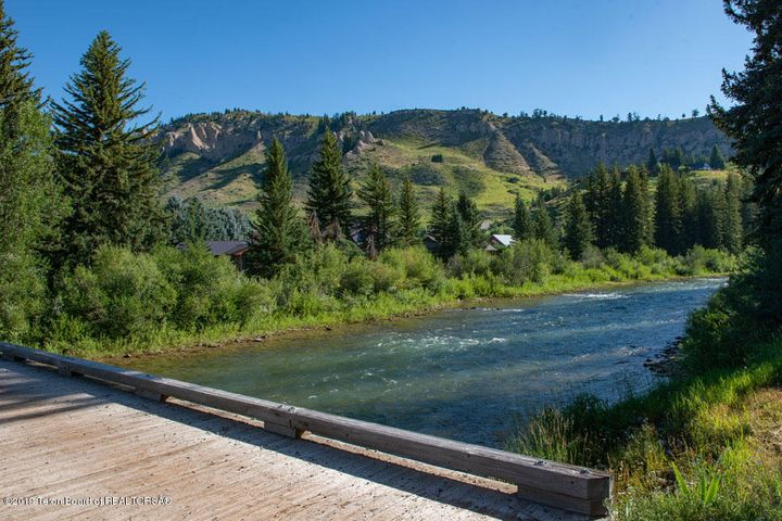 23 Summer Hoback River from Neighborhood