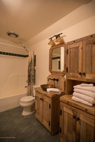 Anderson - Downstairs bathroom 4