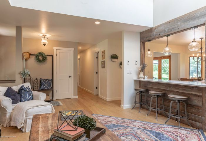 Open and airy, vaulted ceilings
