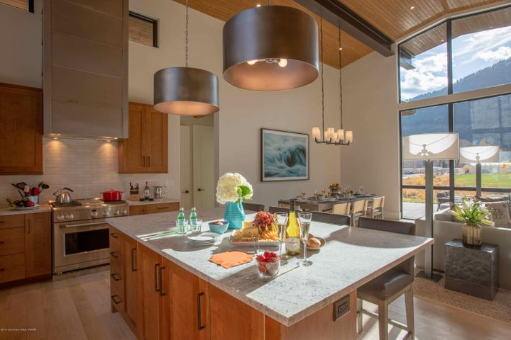 Fairway Lodge - Kitchen (2)
