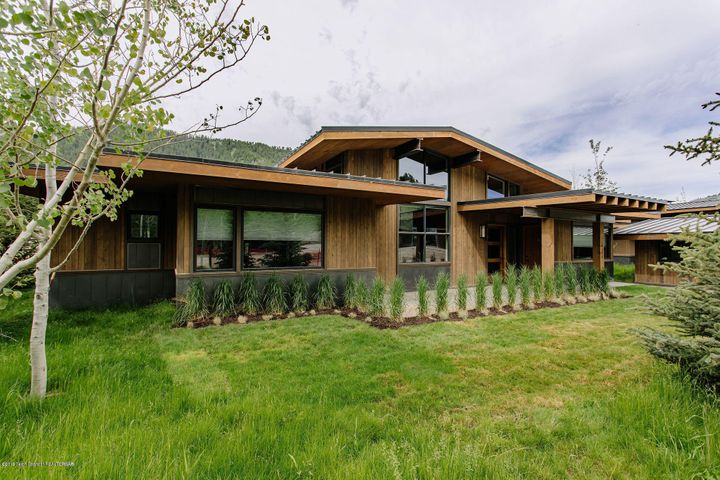 14290 S LEADER LANE, Jackson, WY 83001