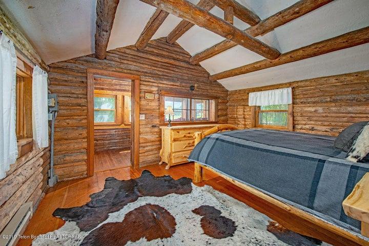 30 Guest Home Bedroom