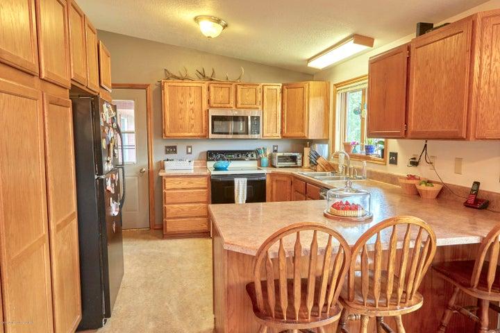 3. 465 Flat Creek Kitchen