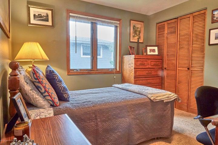 5. 465 Flat Creek Upstairs Guest Room
