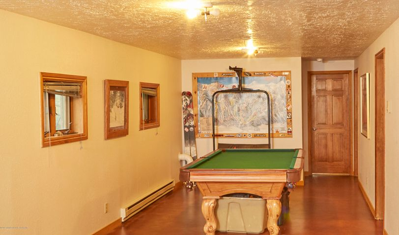 9. 465 Flat Creek Basement Bonus Room
