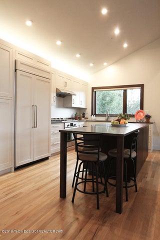 450 Henley Kitchen 1 100 dpi