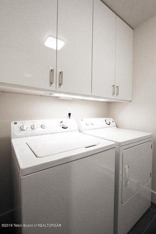 450 Henley Laundry 2 100 dpi