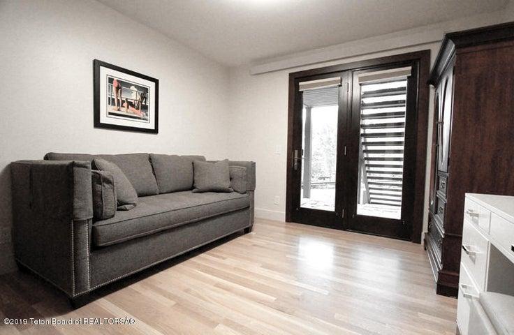 450 Henley Lower Bedroom W 1 100 dpi