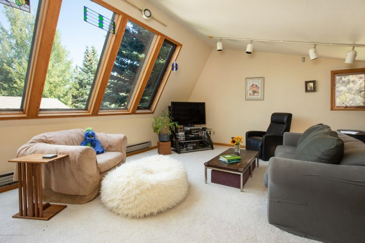 9- Living Room