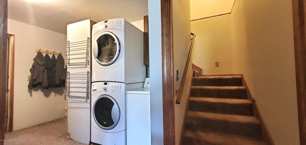13. 1010 Budge - Laundry