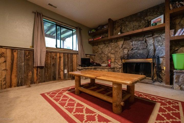 465 family room (Albrecht)-7855