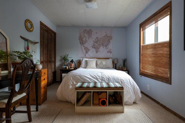 465 master bed (Albrecht)-7571