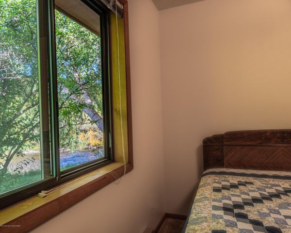 474 bedroom 1 bed and window (7215 HDR)-