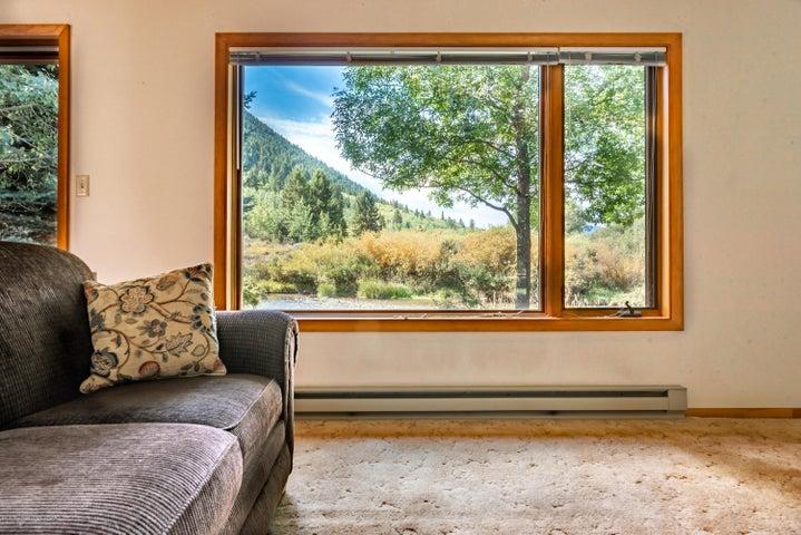 475 livingroom picture window retone (72
