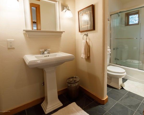 Upstairs Bedroom 3 Bathroom