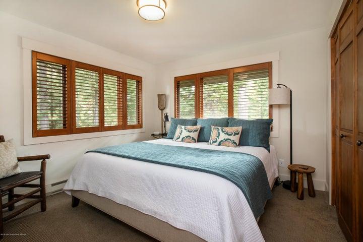 Main Lever Guest Bedroom 1