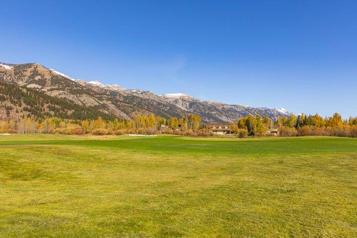 Views of entire Teton Range