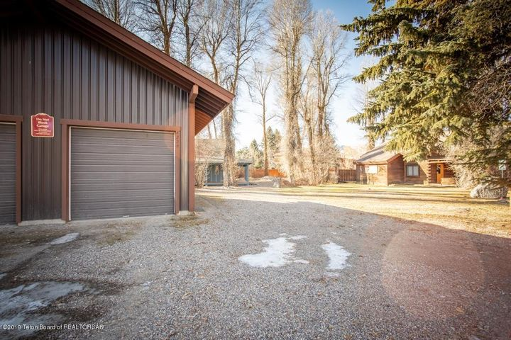 2 Main House_Guest House_Garage
