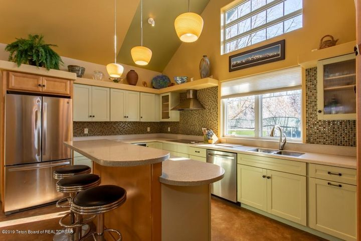 7 Guest House Kitchen