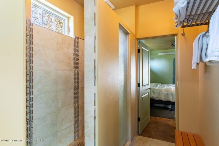 12 Guest House Shower