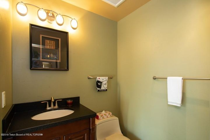 14 Guest House Powder Room