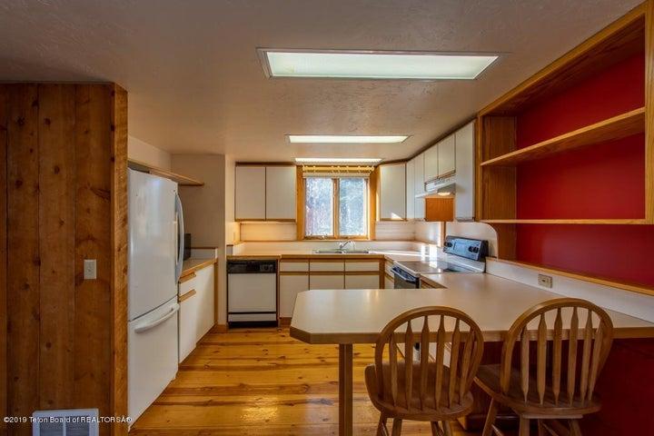 17 Main House Kitchen