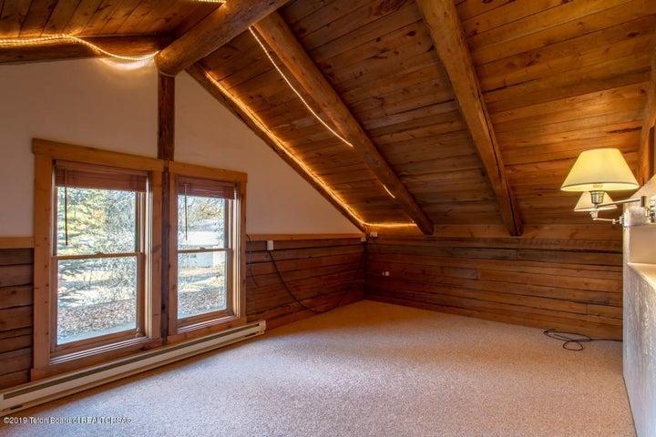 20 Main House Bedroom 2 Upstairs