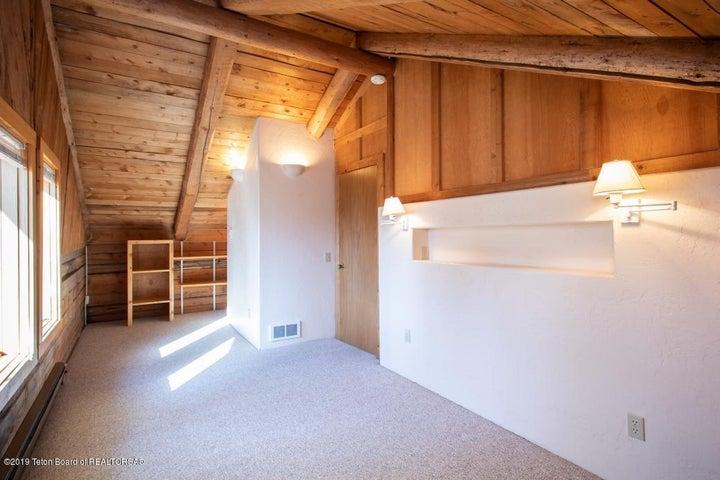 21 Main House Bedroom 3 Upstairs