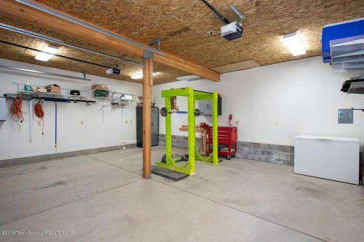 25 Garage Interior