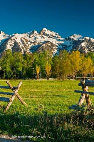 Buck Mountain View & Pasture