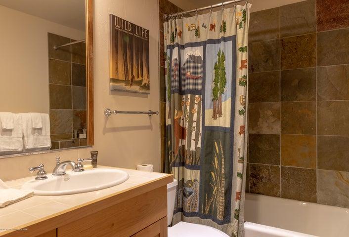 Guest Bedroom Bath #2