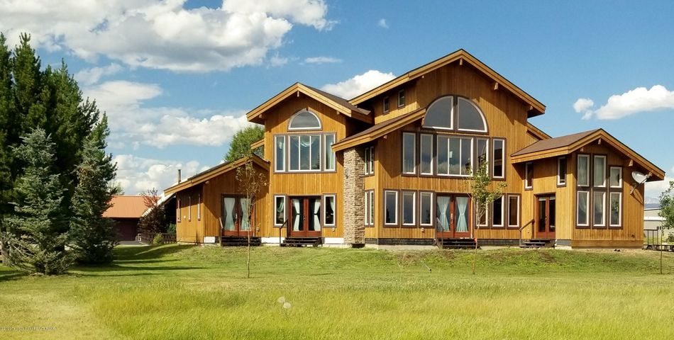 1307 CLUB HOUSE ROAD <br>Pinedale, WY