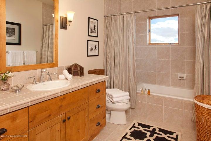 Twin Room Bath